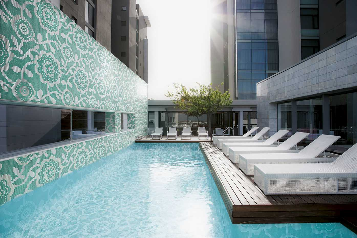 Outdoor Tiles for pools